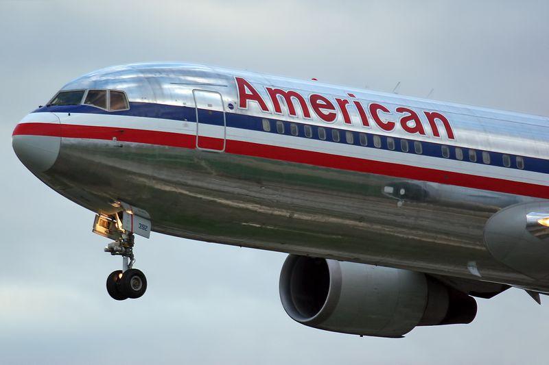 Boeing_767-323_ER_American_Airlines_N392AN_(8398562619)